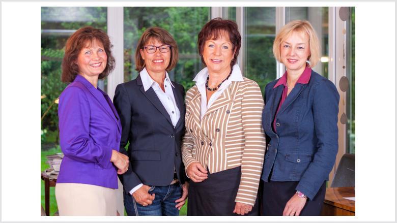 Unser Vorstandsteam (von links):  Sabrina Gutsche (Vorsitzende), Christiane Schmitz, Anne Viehmann und Ariane Stech.